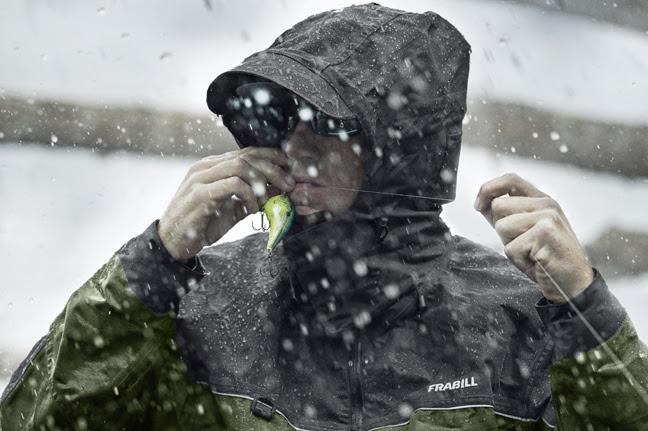 Bass fishing in the rain gear fishing sport show for Rain suits for fishing